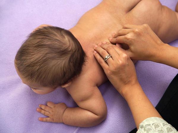 urut tulang belakang bayi